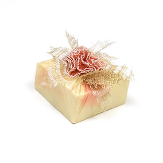 NEEDLE LACE DETAILED SOAP